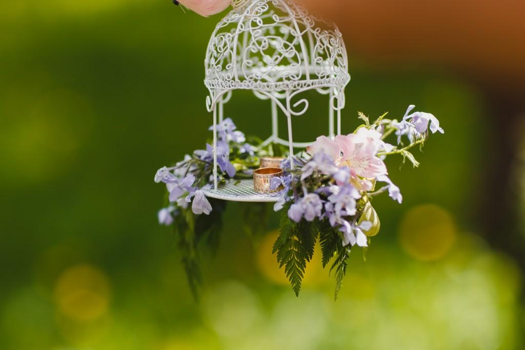 wedding rings, обручальные кольца, фотосессия в мае, лавстори в цветущем саду, идеи для фотосессии