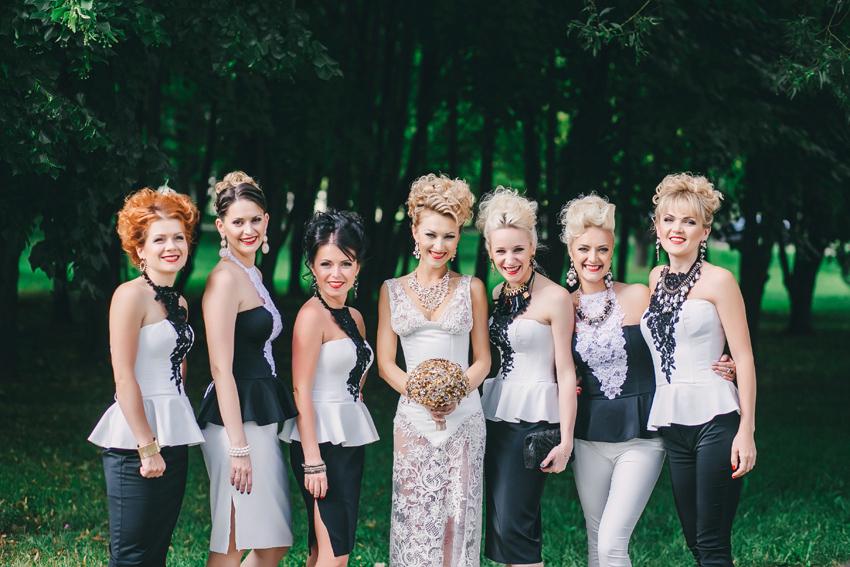 Стильные подружки невесты. Свадьба в стиле рок и барокко