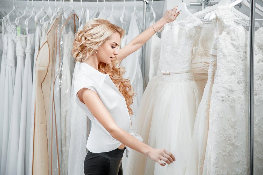 """Интервью для салона свадебных платьев """"Артемида"""". Примерка платья"""