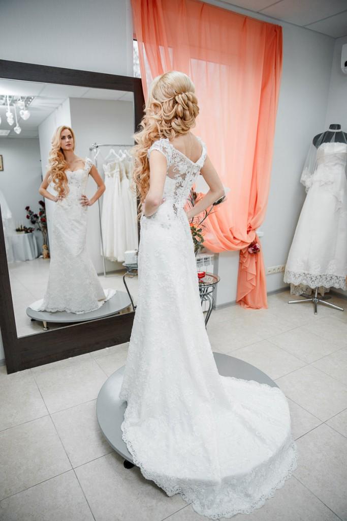 Примерка свадебного платье. Интервью со свадебным салоном