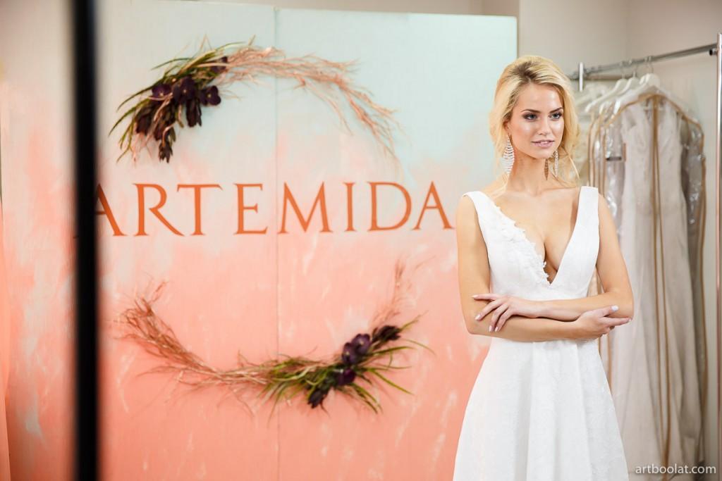 Екатерина Аврамчикова: демонстрация свадебных платьев на TeaTalk